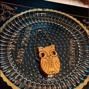 🦋2/$10 3/$15 4/$18 5/$20 Vintage 72' Owl Keychain
